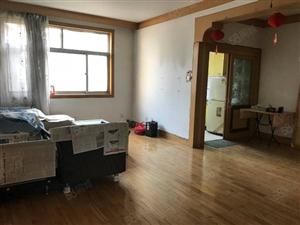 莲湖路中段东塔小学�W区三居中装低楼层