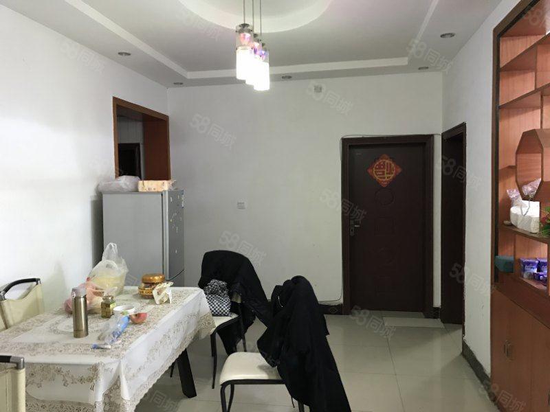 川中大市场2楼大三室家具家电齐全采光好适合办公居家