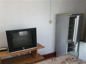 首次出租两室屋内设施齐全交通方便包取暖