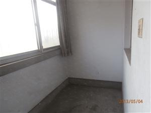 锦绣花园三室两厅带车库空房适合拆迁户靠近实验二中