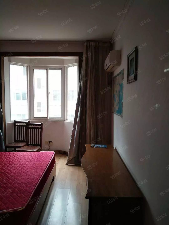 美高梅注册禾香花园2室2厅精装空调沙发床拎包入住1万一年