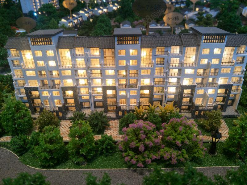 128平米大三房2厅2卫首付20万带学位小区带泳池急售