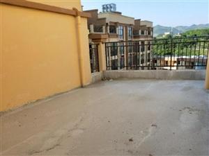 朗月湾180平米带大露台复式楼出售可免费更名只有一套