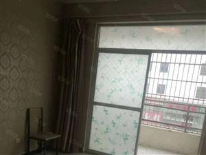 急售天润上层两室两厅78平,简装44万,证满二年,随时看房