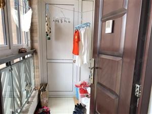 重庆中路蓝山湾精装套三,赠送阳台连廊面积,单价低,看房方便