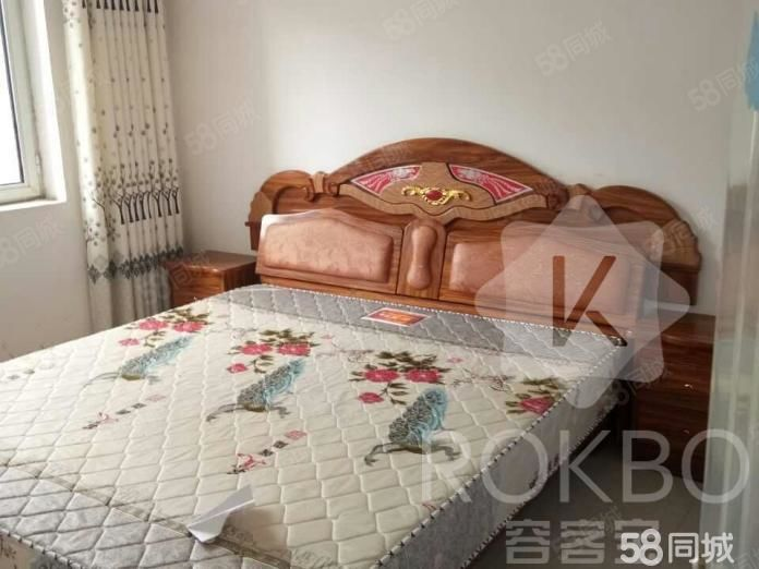 金鼎凤凰城小公寓,简装修,住宅性质产权70年的,老证,可过户