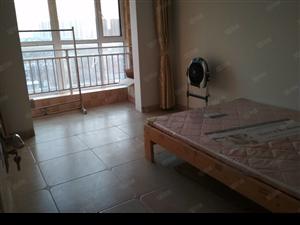 豪庭御都中间楼层两室两厅两室向阳新精装1200元年付