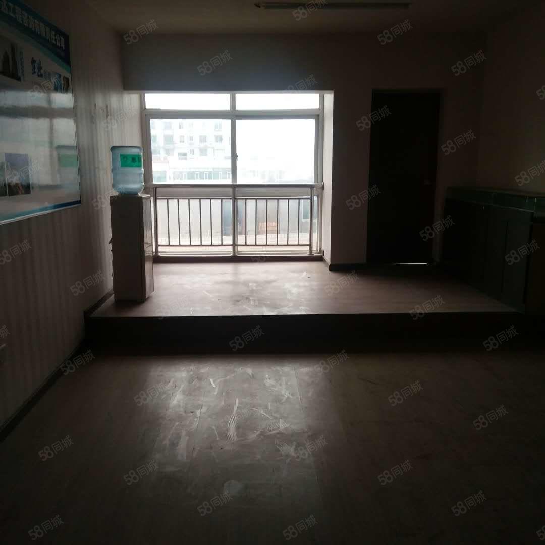 掇刀转盘汇天大厦120平简装办公室1000/月