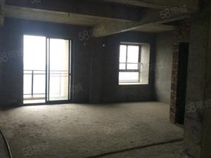 溪东花园三房两厅两卫6700/平