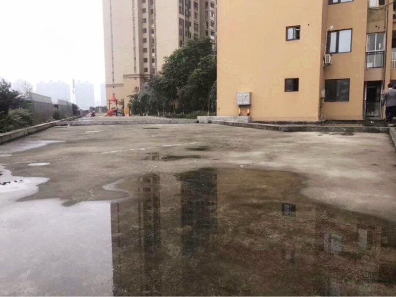 商贸城十二中旁玉带龙庭一楼带300平米超大私家花园税费低
