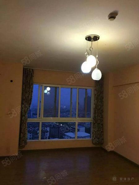时代广场市中心租房精装1室带部分家电澳门金沙平台!