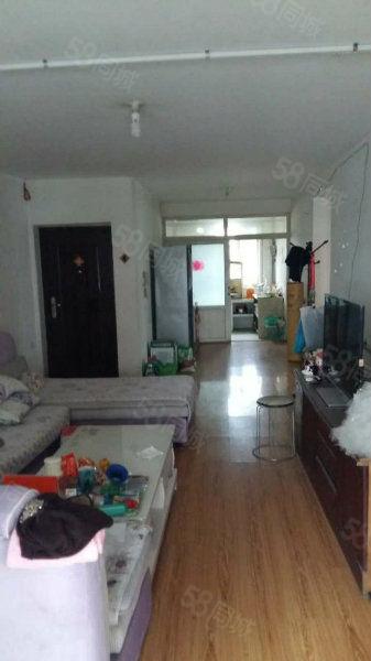 人民医院南100米新塘子街三楼100平二室1100元真实图片