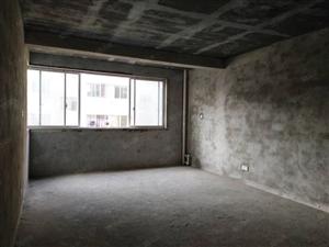 人民路步梯低层毛坯三房即买即装修