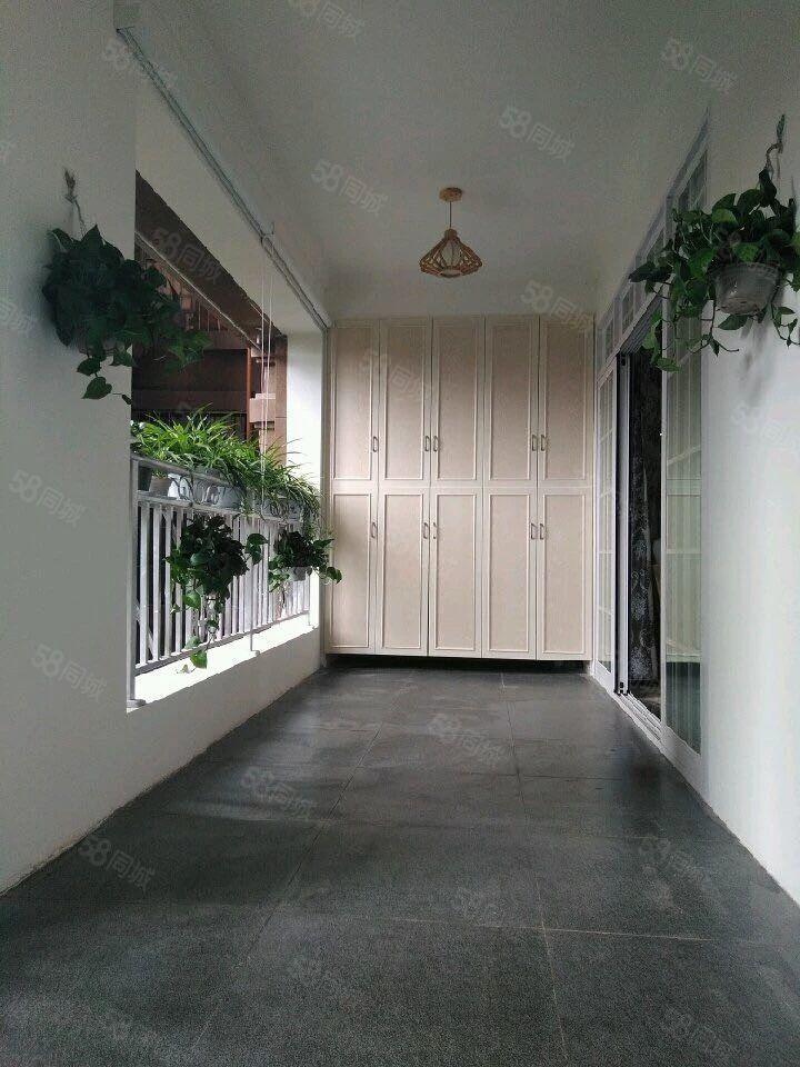 金桥精装电梯三室两卫政府规划新区绿化环境好配套设施齐全