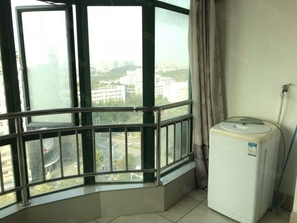 华堂景苑电梯高层1室1厅1卫家具家电齐全拎包入住