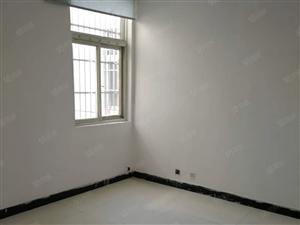 一楼,文化小区,三室两厅一卫,新装修