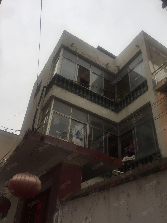 自建三层独栋别墅,产证齐全,过户方便,近期生意缺钱急售