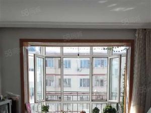 正信地产广场小区两室一厅精装修有证可贷款
