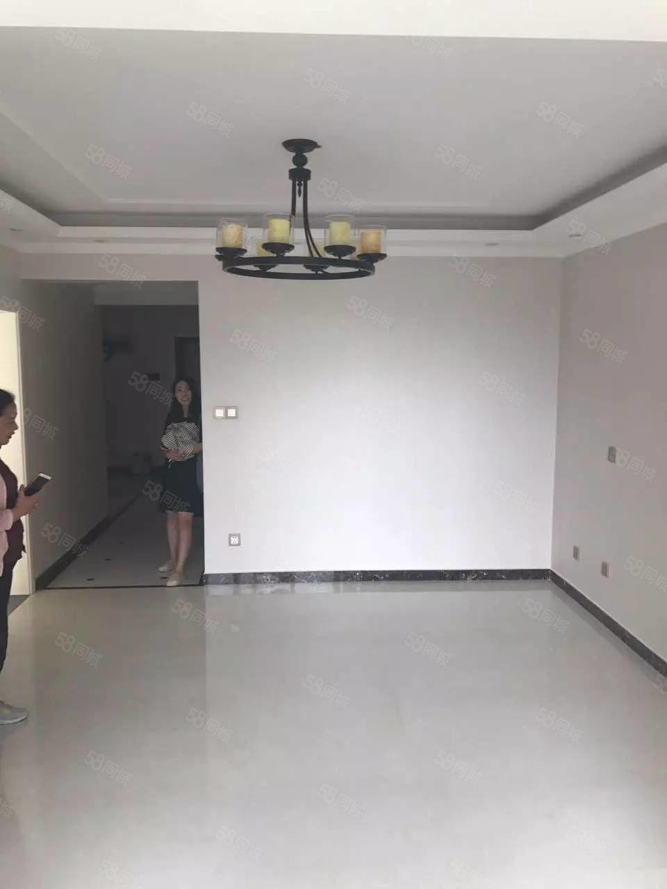 高新区翰林国际128平方3室2厅1卫精装修看房方便