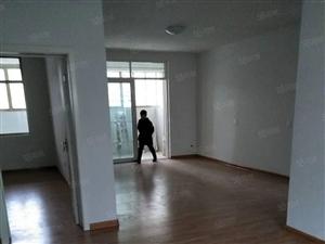 六里二期南北通透精装修三室两厅随时看房