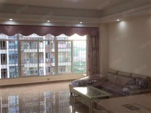 新装修超大客厅装修温馨配置全齐适合两口之家和情侣居住