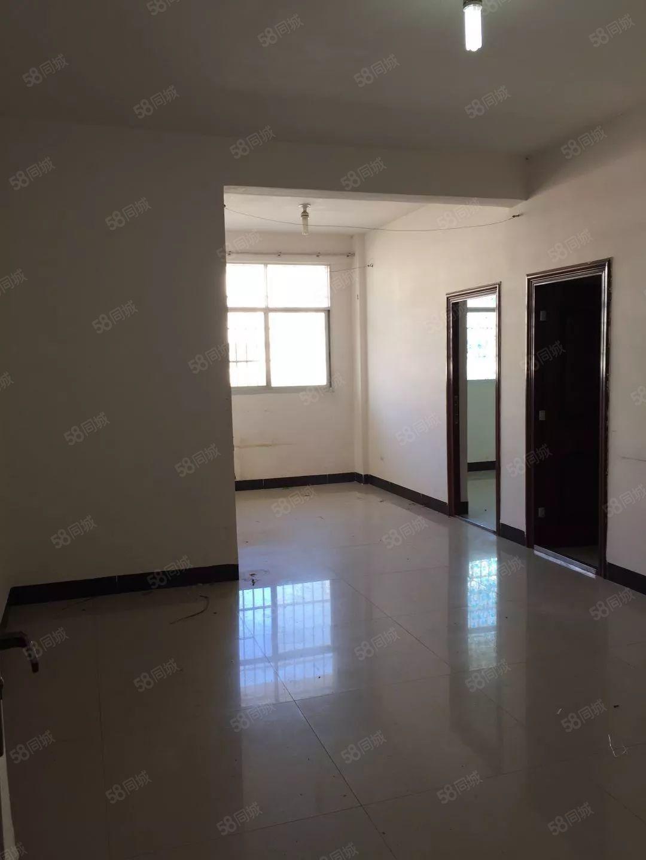 城南泰康小区2室1厅1卫80平方米年租可以做饭