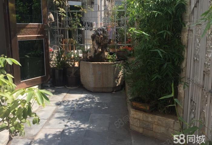 玉州花园联排别墅,共3层半精装5室带车库送前后花园