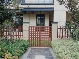 青建白鹭洲联排别墅/签一手合同/上下3层送190平院子/可贷