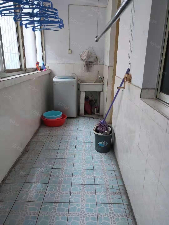 劳动路中段褚葛庙社区家属院126平米,3楼,家电齐全,精装修