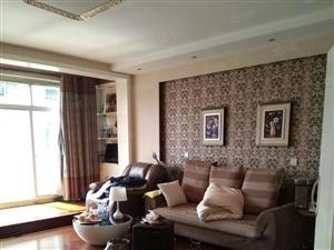 益民东区3层3室2厅210平方精装修145万