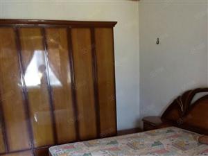 医学院和水井沟附近中装1室1厅家电齐全750无