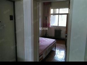 东方世纪华庭3室2厅1卫