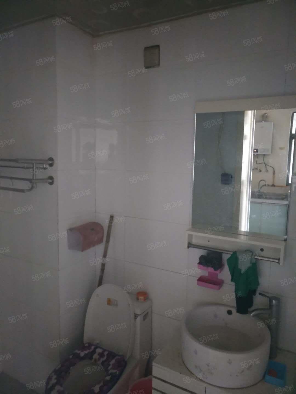 佳丽星城精装一室家具家电齐全,可随时看房的
