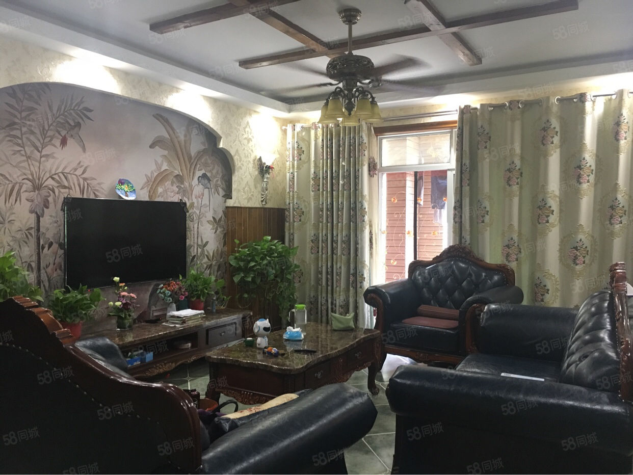 西西安小镇联排别墅均价1.3万!精装修带家具家电有证可按揭