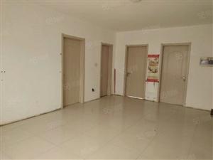 荷花园38万地暖房已装修中间楼层带地下室随时看房!