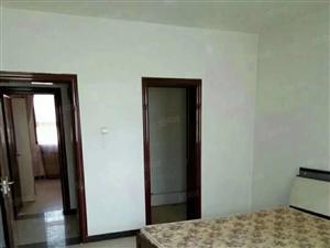 育苑小区大户型,好楼层,好户型,此房已简装过,满五唯一。