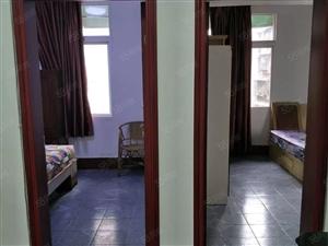 新街邮电局宿舍,三室一厅,精装修,房租一个月1200,可面议