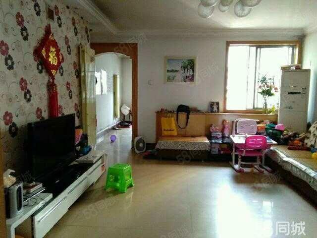 文汇路(文汇花园)中装两室从未出租可按揭业主诚意急售