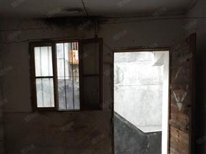 竹山城西司法局对面精装一室一厅300元一个月随时拎包入