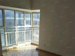 星球欧洲城邦3室2厅130平电梯房出租