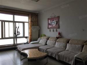 武中聚英文苑小区4楼顶98.平3室2厅精装带家具家电车库另算