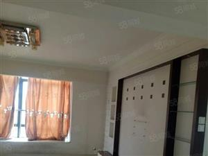 一代领秀4室2厅2卫可拎包入南北通透,房东自住,装修。