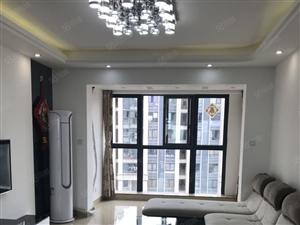 万达中央华城,3房精装修,房东自己住,全配好,拎包入住