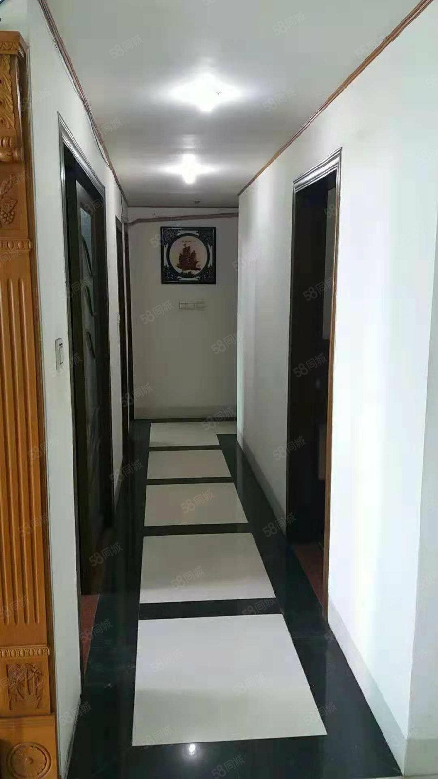 世贸大厦|电梯房|精装修|两用只需2500/月