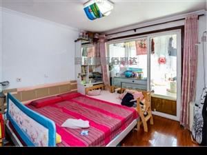 房子已经空出来,一室一厅南向,桃源山色稳定在卖过五年~
