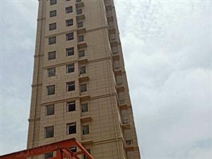 龙鼎大厦,是村民自己筹集,房产证可以用客户名字过户。