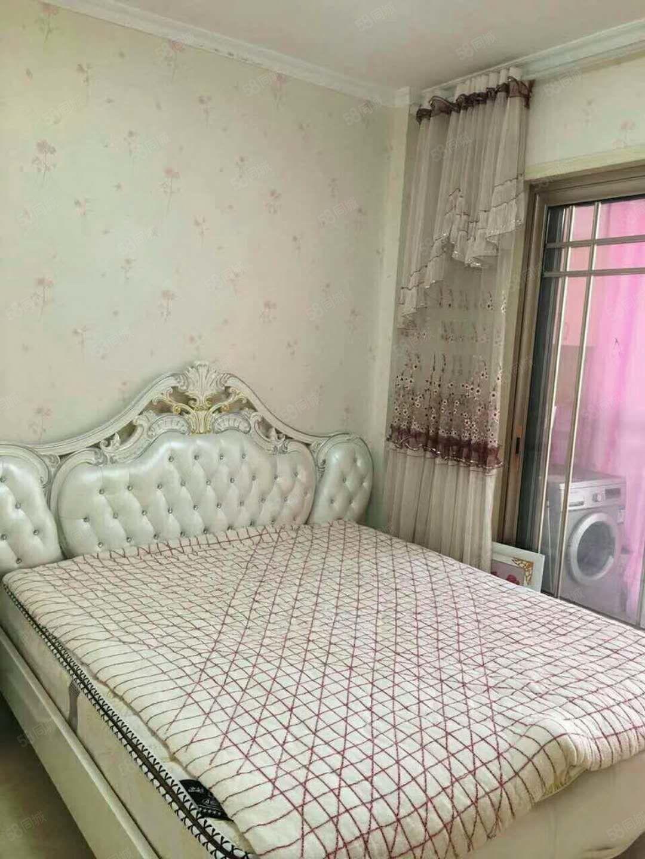 凯丰新村一室精装公寓拎包入住租1000