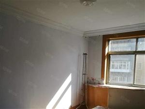 南海道60平4楼带下房,2室一厅南北通透年租6000包暖物业
