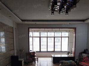 江南市场东门附近,150平米,家电齐全,低楼层,临美世界