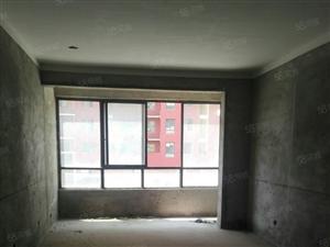 亿诚地产全景大厦3室2厅2卫140平方电梯现房